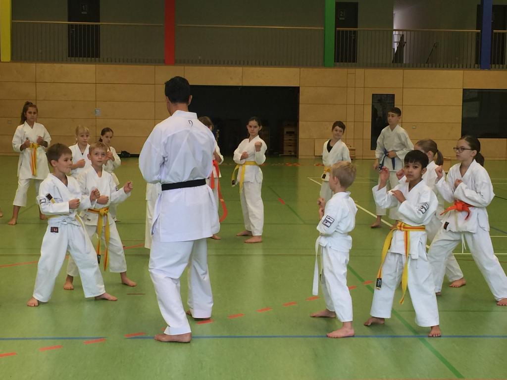 Die Jugend von Sei-Wa-Kei bei Cakir Köksal in Ehningen